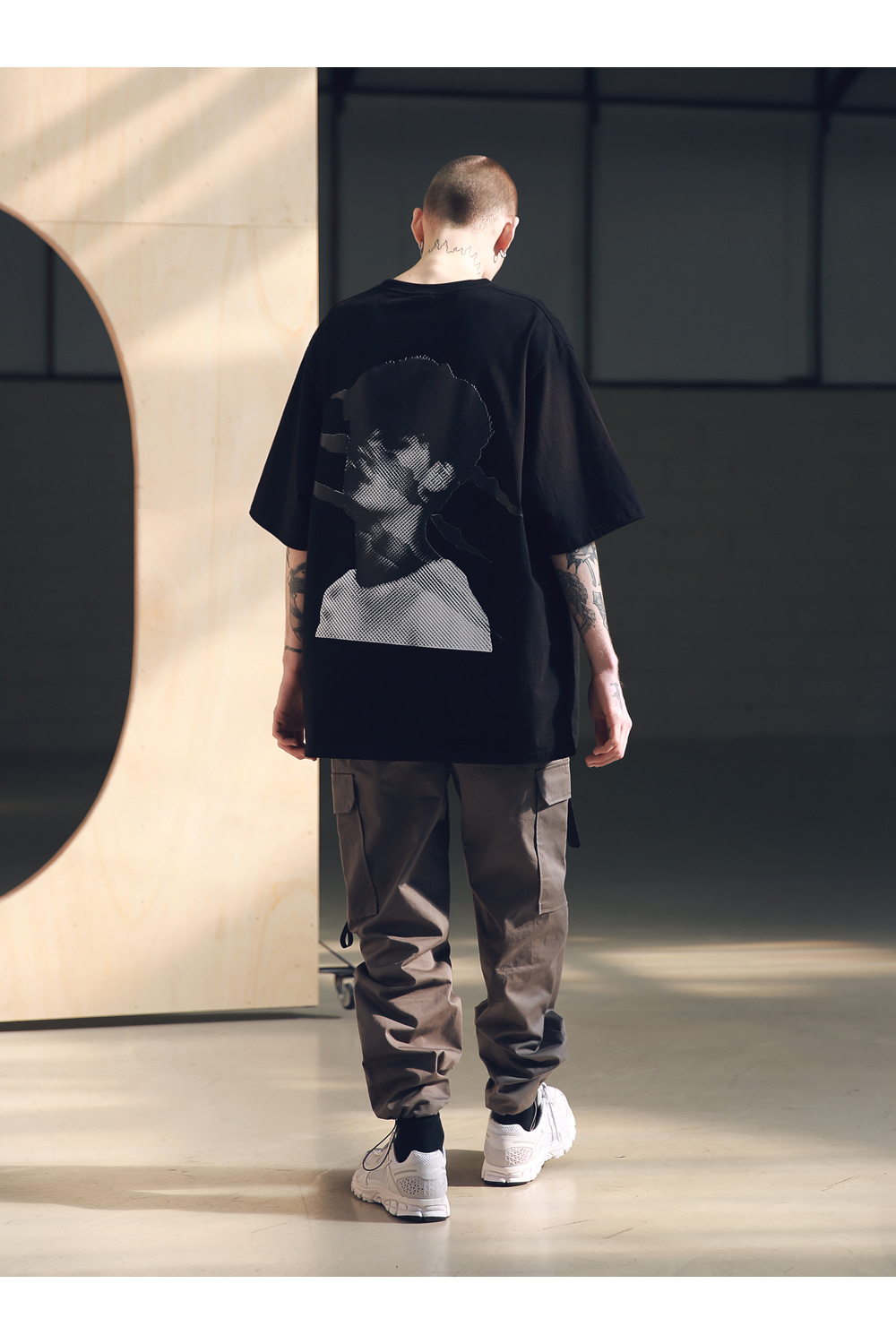 매스노운(MASSNOUN) SB 스크래치 오버사이즈 티셔츠 반팔티 MSNTS002-BK